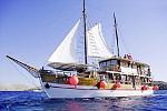Kreuzfahrten mit der MS Ribic ab Hafen Trogir  -  Kroatien  Der Motorsegler: