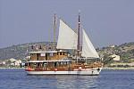 Kreuzfahrten mit der MS Ribic ab Hafen Trogir  -  Kroatien